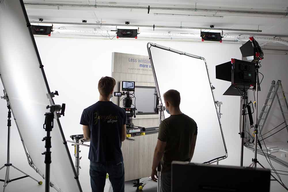 3 benefits of hiring a video production company